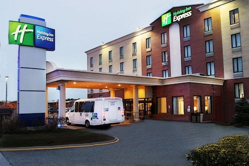 . Holiday Inn Express Kennedy Airport