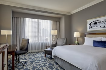 Deluxe Room, 1 King Bed, Accessible, City View (Hearing Accessible)