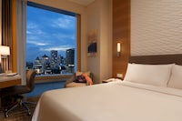Superior Room, 1 King Bed, City View