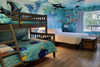 Room, 1 King Bed, Non Smoking (Under the Sea Theme)