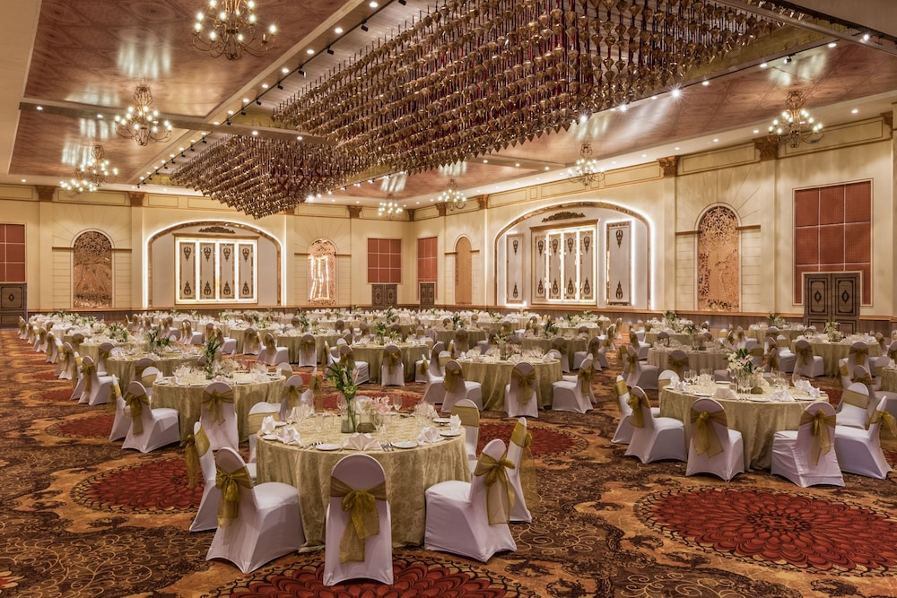 Ballroom/Hall 105 of 162
