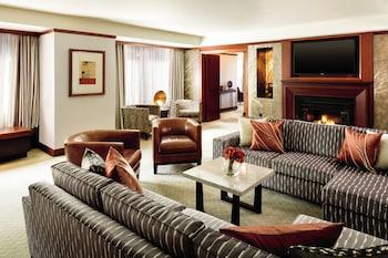 Royal Potomac Suite