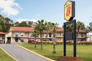 Hotel - Super 8 by Wyndham Crestview