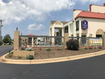 Hotel - Carolina Inn & Suites of Lake Norman