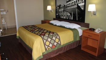 Standard Room, 1 King Bed, Accessible, Smoking (Mobility Accessible)