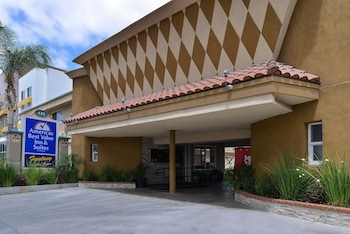 Americas Best Value Inn & Suites At The Park/Convention Ctr