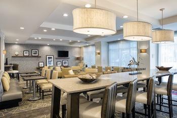 哈蘭德海灘文圖拉希爾頓歡朋飯店 Hampton Inn by Hilton Hallandale Beach Aventura