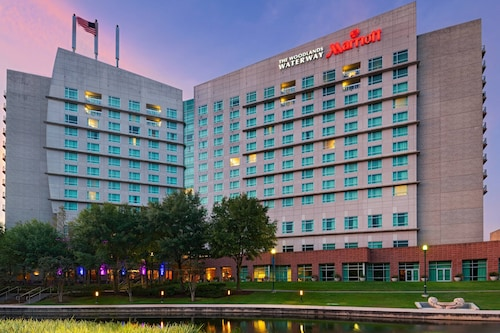 __{offers.Best_flights}__ The Woodlands Waterway Marriott Hotel & Convention Center