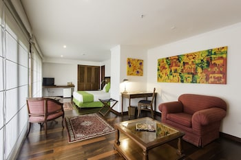Junior Suite, 1 Queen Bed, Balcony