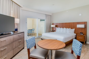 Junior Suite, 1 King Bed (Parlor, Gulf View)