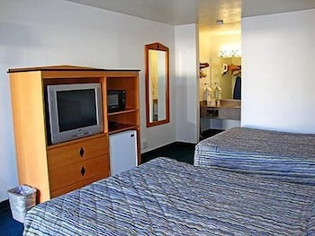 Deluxe Room, 1 Queen Bed, Accessible, Non Smoking
