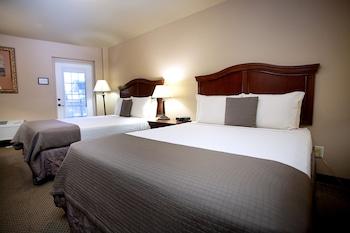 Room, 2 Queen Beds, Accessible, Balcony
