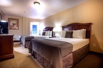 Room, 2 Queen Beds, Balcony