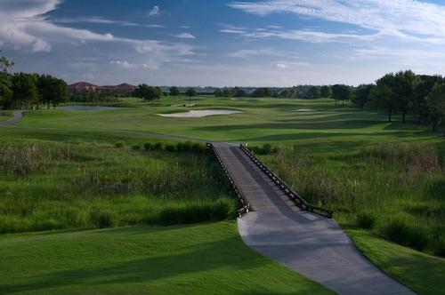 GreenLinks Golf Villas at Lely Resort, Collier