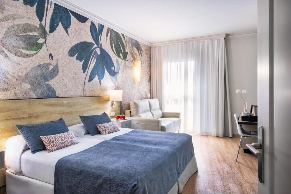 https://i.travelapi.com/hotels/1000000/910000/908800/908739/8f759366_z.jpg