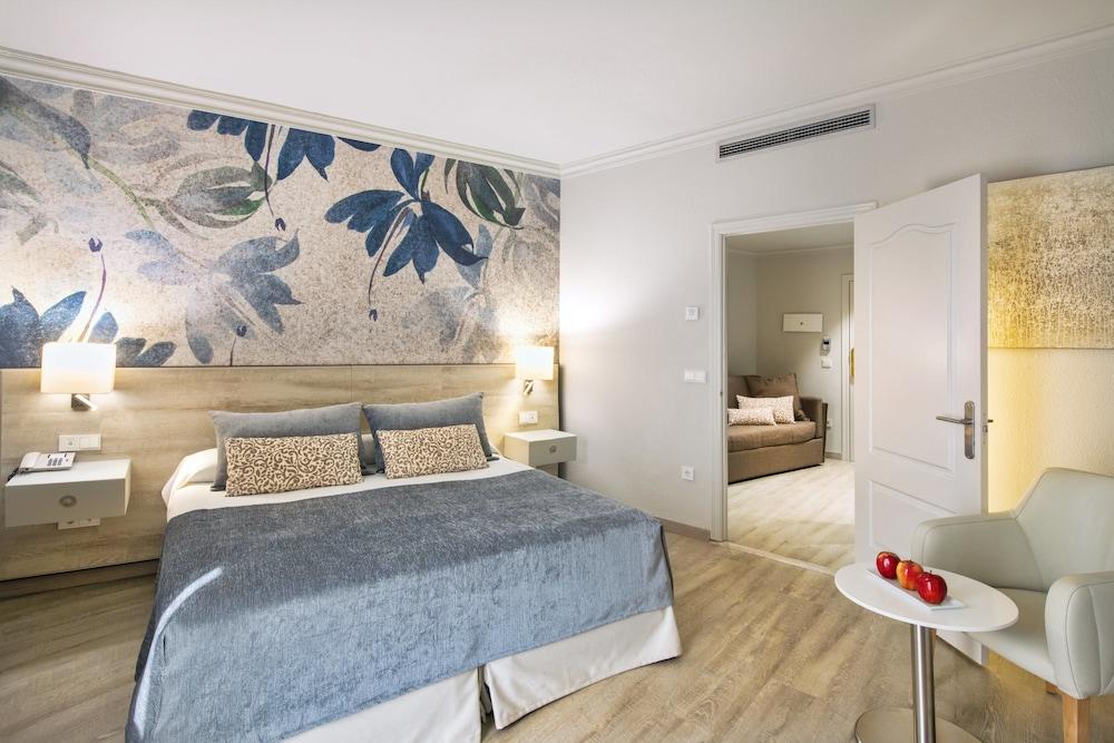 https://i.travelapi.com/hotels/1000000/910000/908800/908739/bad6c961_z.jpg