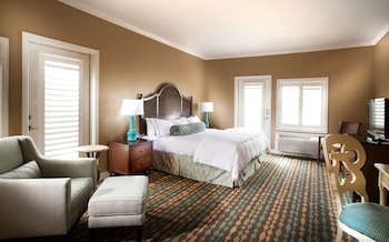 Room, 1 King Bed, View (Plaza View)