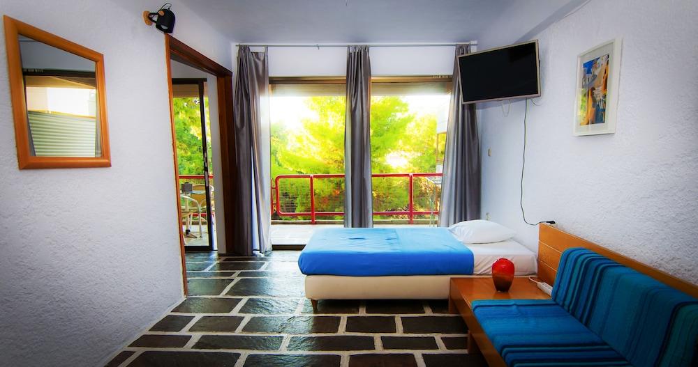 https://i.travelapi.com/hotels/1000000/910000/909000/908931/d38bb93b_z.jpg