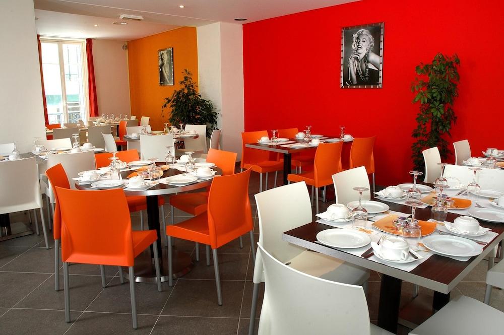 호텔 아주레아(Hotel Azurea) Hotel Image 9 - Restaurant