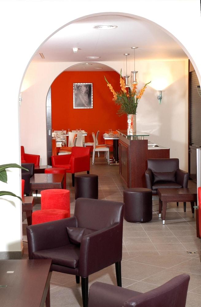 호텔 아주레아(Hotel Azurea) Hotel Image 1 - Hotel Lounge