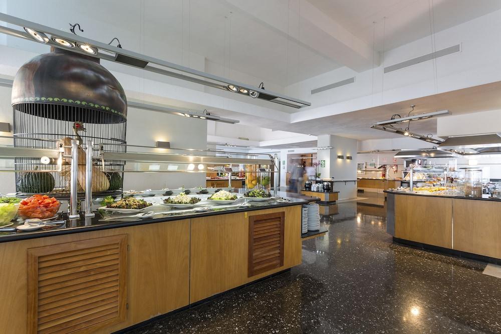 https://i.travelapi.com/hotels/1000000/910000/909400/909353/2e1fb7c1_z.jpg