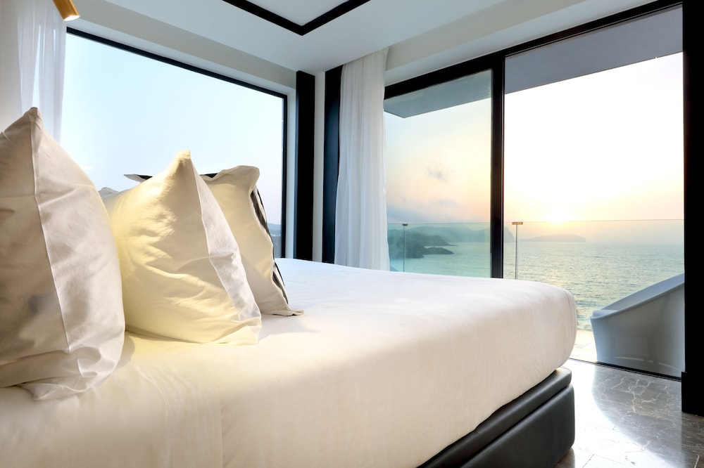 https://i.travelapi.com/hotels/1000000/910000/909400/909354/1e880d10_z.jpg