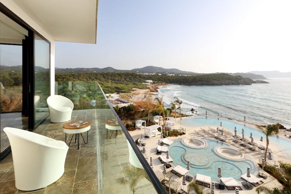 https://i.travelapi.com/hotels/1000000/910000/909400/909354/3e543506_z.jpg