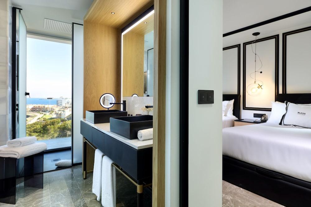 https://i.travelapi.com/hotels/1000000/910000/909400/909354/506defc8_z.jpg