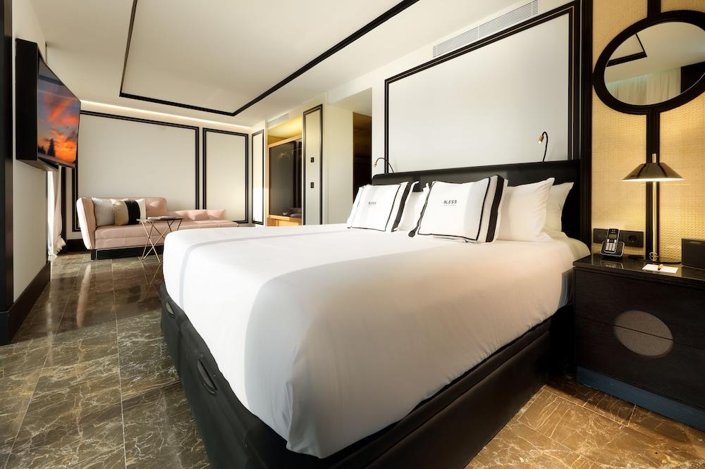 https://i.travelapi.com/hotels/1000000/910000/909400/909354/87b79c80_z.jpg