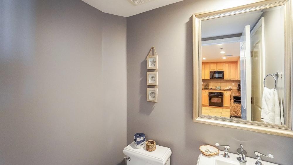 https://i.travelapi.com/hotels/1000000/920000/910100/910026/b325762e_z.jpg