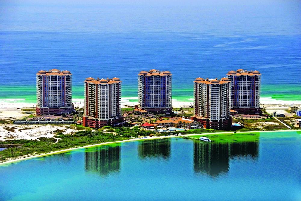 https://i.travelapi.com/hotels/1000000/920000/910100/910026/c27df365_z.jpg