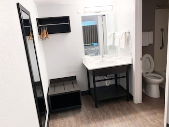 Deluxe Oda, 2 Çift Kişilik Yatak, Sigara İçilmez, Buzdolabı Ve Mikrodalga
