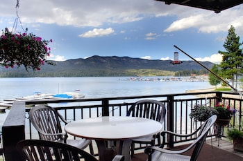 Family Condo, Lake View