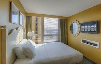 Guestroom at Boardwalk by Diamond Resorts in Virginia Beach
