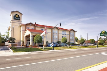 La Quinta Inn & Suites by Wyndham Tampa Bay Area-Tampa South photo