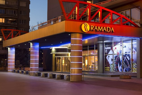 Ramada Sofia City Center, Stolichna