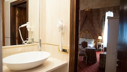 Junior Suite, Canal View