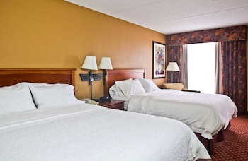 Two queen bed ns