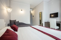 Superior Triple Room, 1 Queen Bed with Sofa bed