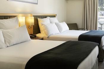 Tek Büyük Yataklı Oda, 2 Çift Kişilik Yatak, Göl Kenarı