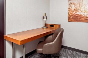 Guestroom at SpringHill Suites by Marriott San Diego-Scripps Poway in San Diego