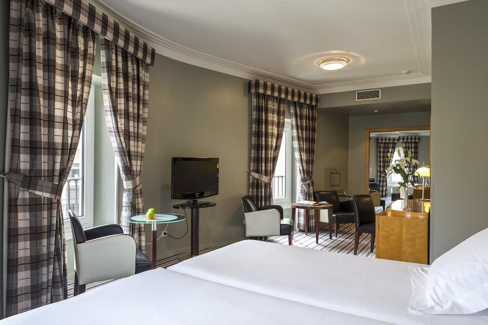 https://i.travelapi.com/hotels/1000000/920000/911700/911686/82891acb_z.jpg