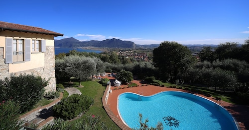 __{offers.Best_flights}__ Romantik Hotel Relais Mirabella Iseo