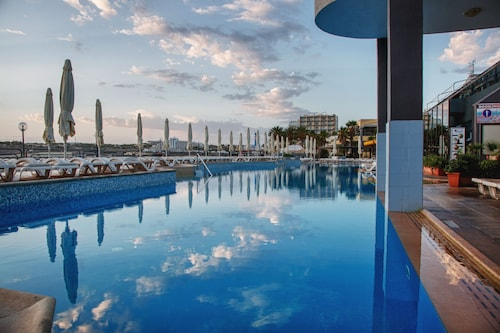 . AX │ Seashells Resort at Suncrest