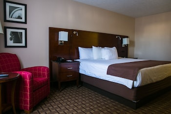 Basic Single Room, 1 King Bed, Non Smoking