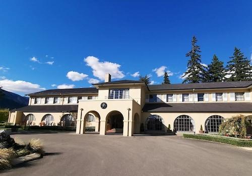 . Hanmer Springs Hotel