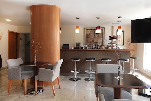 Hotel Zurbarán, Baleares