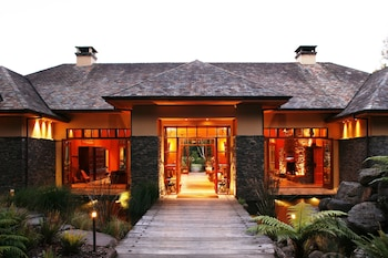 Hotel - Treetops Lodge & Estate