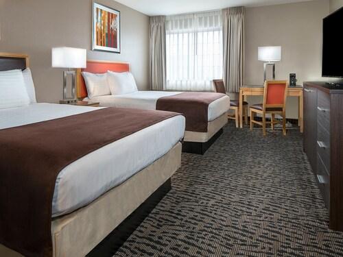 Arizona Charlie's Decatur - Casino Hotel & Suites image 4