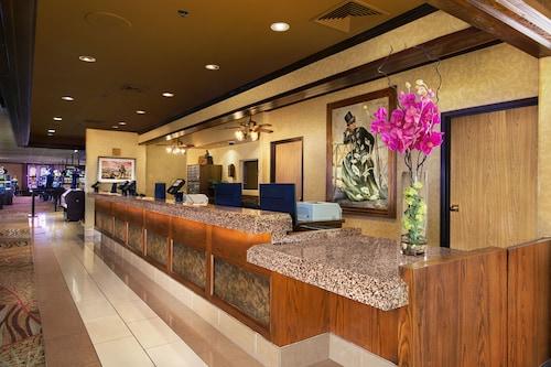 Arizona Charlie's Decatur - Casino Hotel & Suites image 3
